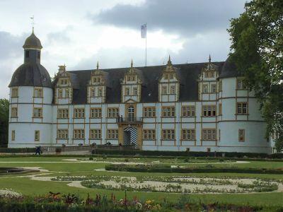 Schloss Neuhaus II